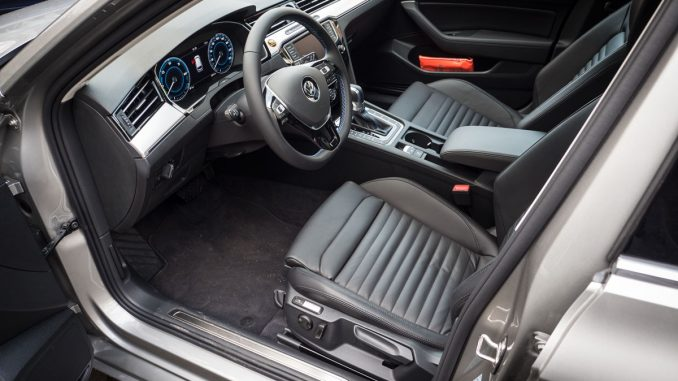 VW Passat GTE Interior