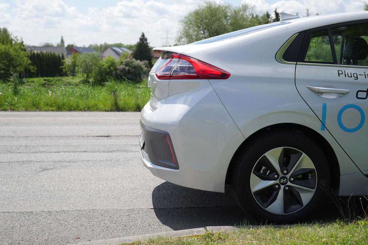 Hyundai Ioniq Electric Test Reichweite Aufladen Ausstattung 163