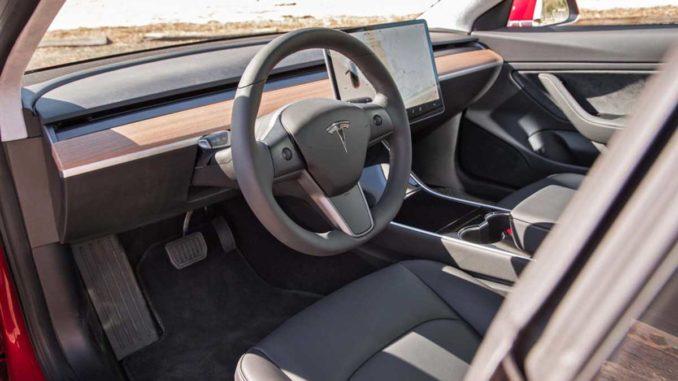 Tesla Model 3 Interior | Foto: Motortrend.com