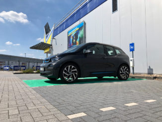 Elektroauto Ladestation bei Euronics XXL in Varel   Foto: 163 Grad