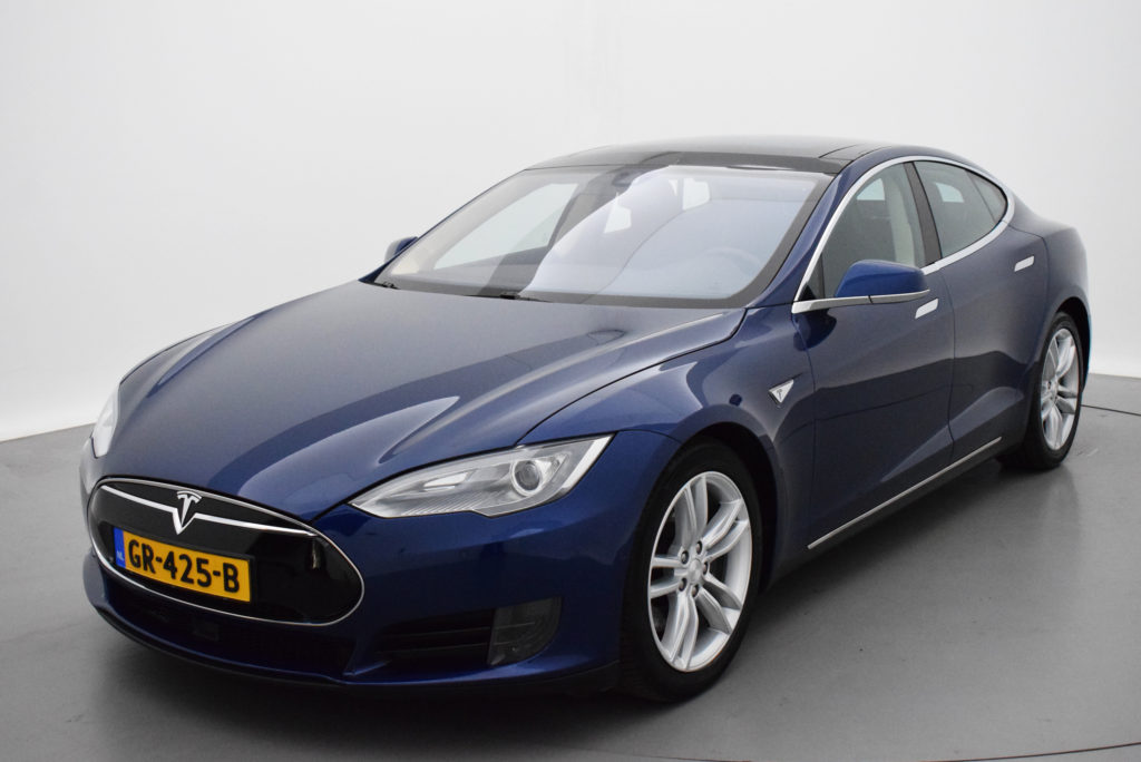 tesla model s gebraucht in holland niederlande kaufen. Black Bedroom Furniture Sets. Home Design Ideas