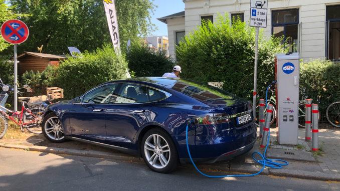 Chaos an der Elektroauto Ladesäule in Hamburg