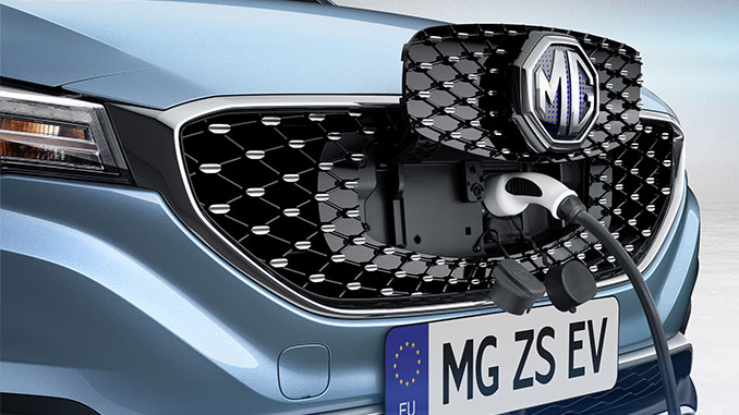 Ladeanschluss des MG ZS EV in der Front | Foto: SAIC Motor Europe B.V.